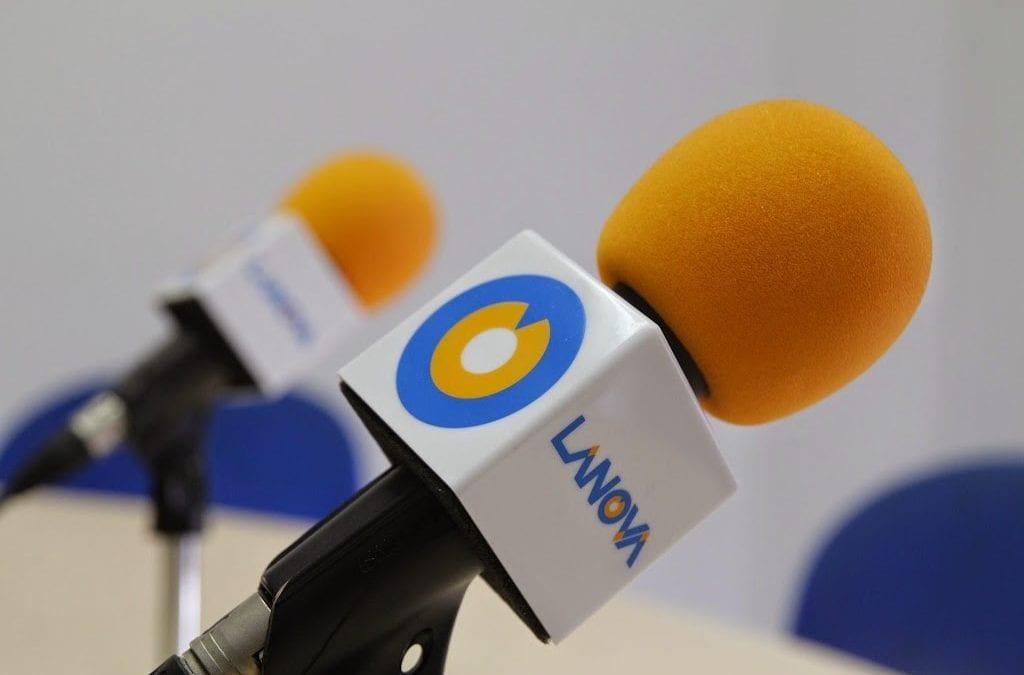 """LANOVA Ràdio atura els programes dels col·laboradors mentre duri el confinament i emet especials del """"Carrer Major"""" cada tarda"""