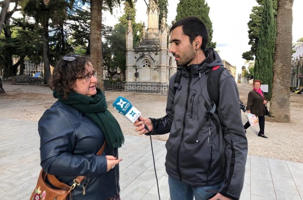 """🔊 Descobrim el Cementiri de Reus amb la regidora i historiadora Montserrat Flores la vigília de Tots Sants a """"Carrer Major"""""""
