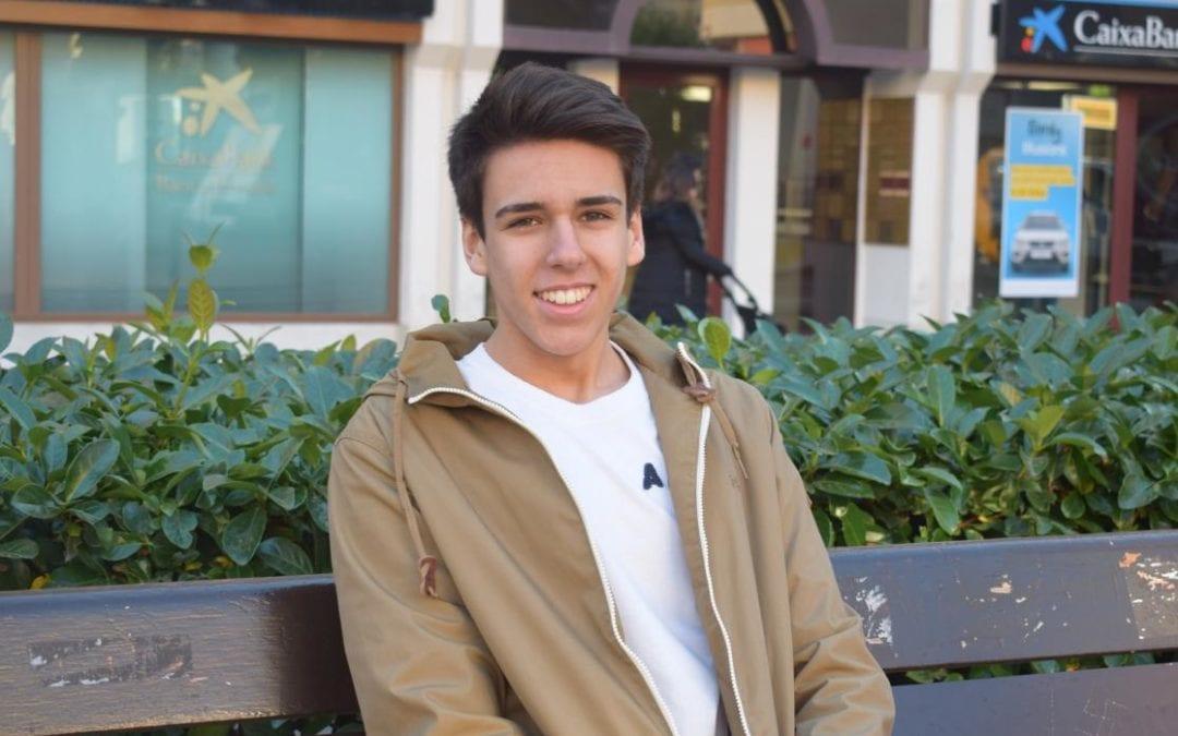 """🔊 El jove reusenc David Aliagas explica la seva experiència al capdavant d'una ONG a """"Carrer Major"""""""