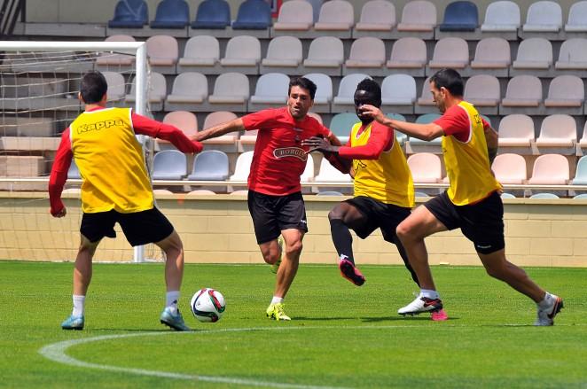 🔊 Vuit jugadors del CF Reus encara no han cobrat mentre s'espera l'anunci del nou propietari