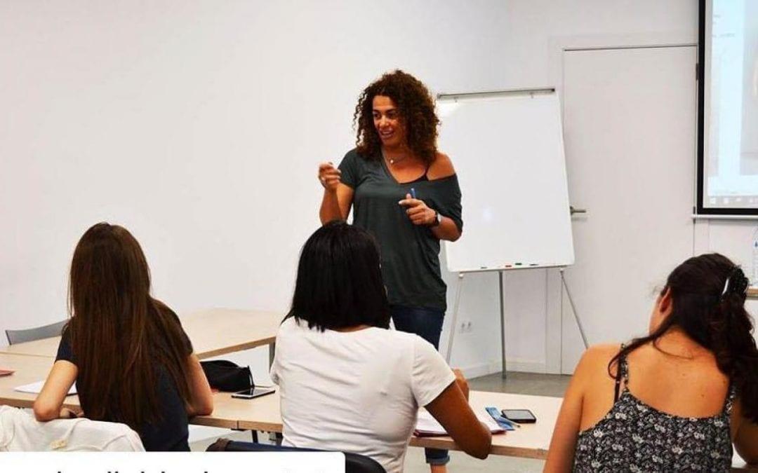 🔊 Parlem de moda amb l'assessora d'imatge Sònia Morell que imparteix un taller a Cambrils