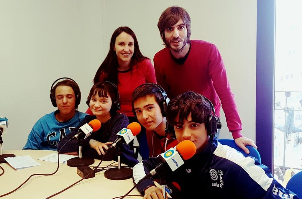 """El Col·legi Francès, La Presentació i l'Institut Gaudí concursen al """"Pica Lletres"""" des de LANOVA Ràdio de Reus"""