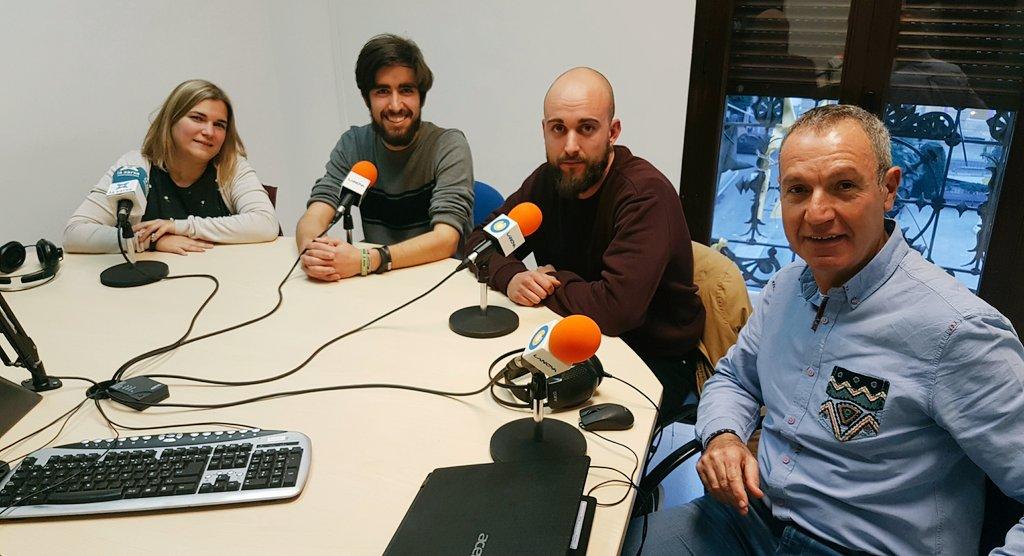 """🔊 📽 """"La cua de palla"""" amb N.Moliner de la Jove Cambra, J.Navarrete de la Coord d'Esplais i Escoltes i T.Bergadà de Barraques de Reus"""