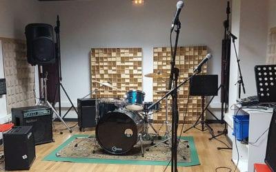 """🔊 Adrià Farré: """"Tenir uns bucs d'assaig amb estudi de gravació afavoreix la creativitat musical"""""""
