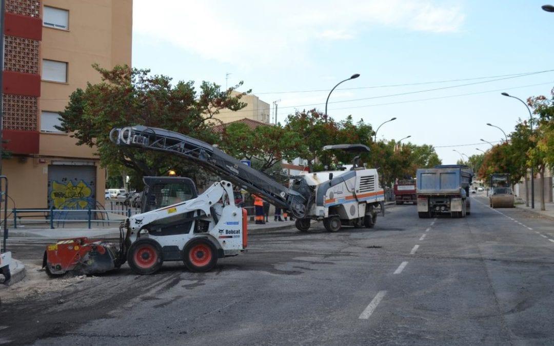 🔊 Segueixen les obres d'asfaltat de l'avinguda Pere el Cerimoniós i del carrer Josep M. Prous i Vila