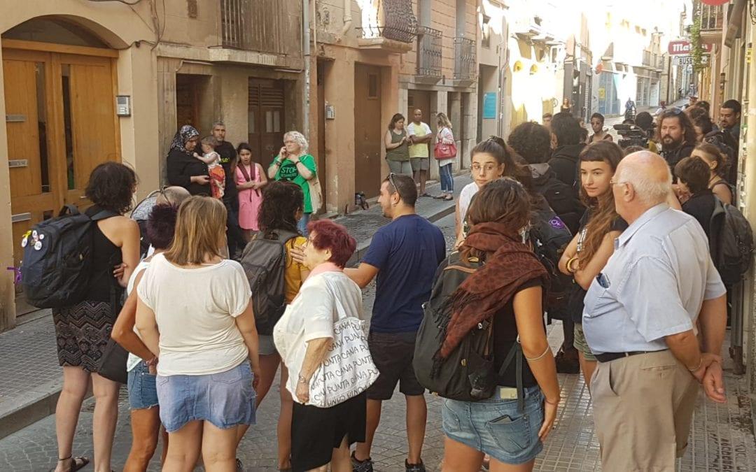 🔊 Desnonen una família amb tres fills menors al carrer Raseta de Sales