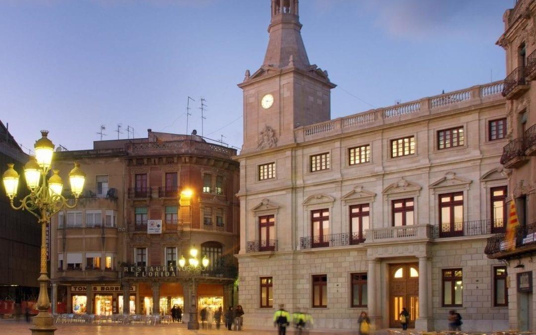 ? L'Ajuntament de Reus posa en marxa una targeta moneder i rebutja un Pacte de Ciutat