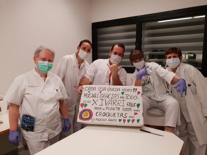 """🔊 Juan Diego: """"Hem repartit unes 3000 croquetes entre professionals de cossos d'emergències"""""""