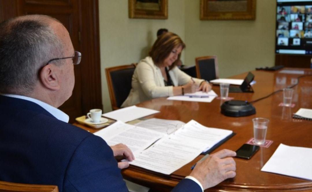 """🔊 La nova ordenança de civisme de Reus prohibeix la mendicitat """"agressiva, insistent o intrusiva"""" i anar despullat per la via pública"""