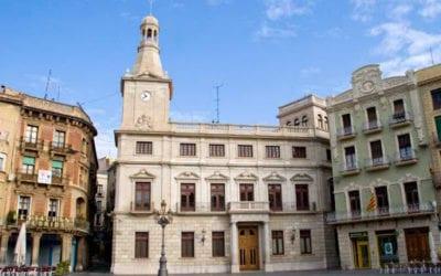 L'Ajuntament de Reus té un mes de marge per col·locar la bandera espanyola al consistori