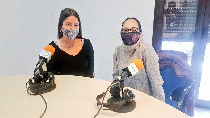 """🔊 Tertúlia """"L'ús del català a YouTube i altres xarxes socials"""" amb Neus Anglès i Agnès Toda"""