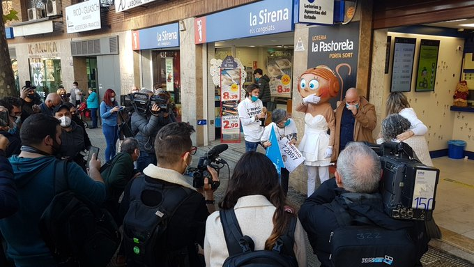 🔊 Reus celebra el primer premi de la Loteria de Nadal i part d'un cinquè