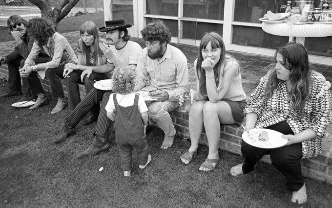 """🔊 """"Toc de Queda"""": '1966: llorers, búfals i família'"""